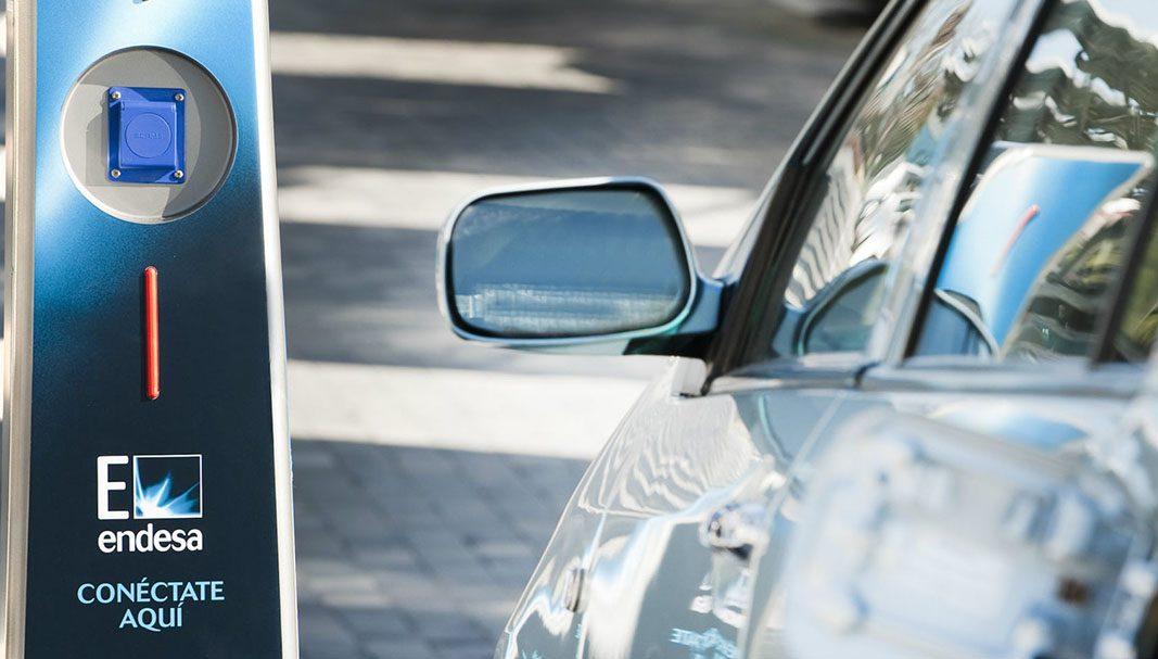 Las ventas de vehículos eléctricos e híbridos suben un 35,6% en agosto