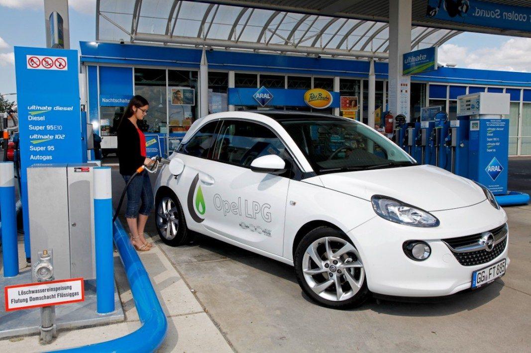 Opel y Repsol favorecen con 700 euros en carburante la gama GLP de la marca alemana