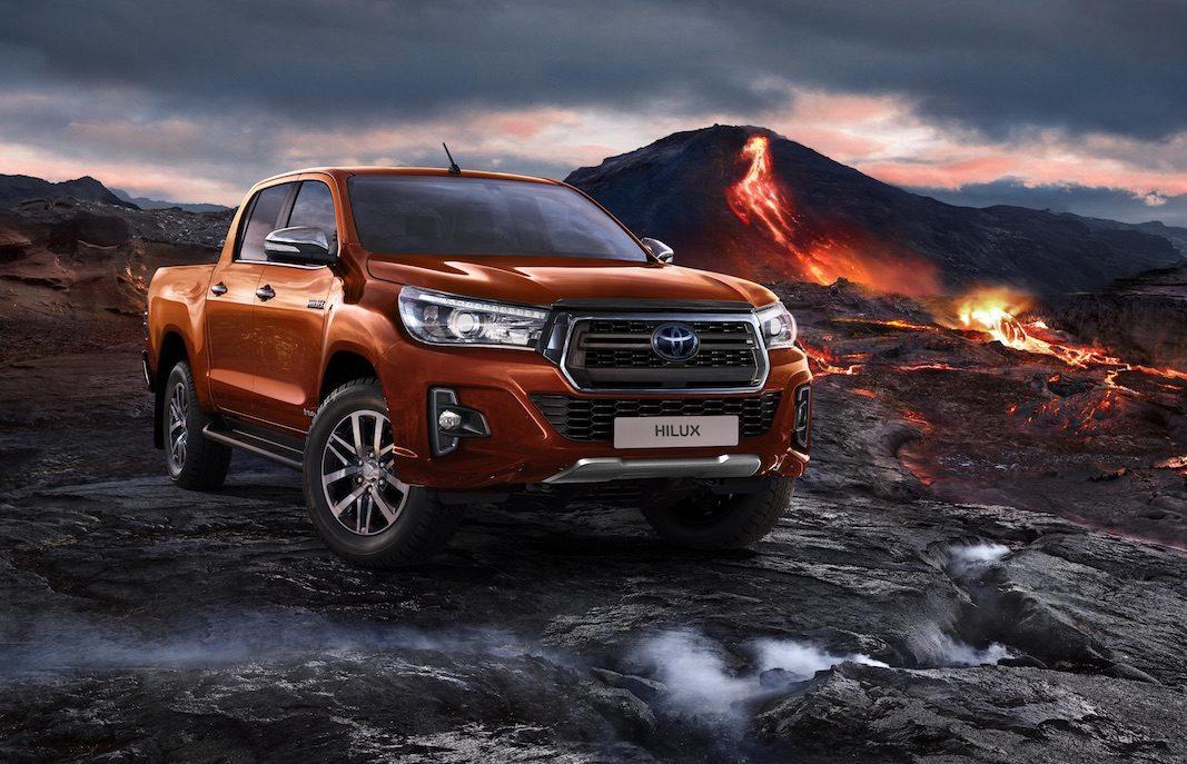 Hilux LEGEND, una variante llamativa y agresiva del pick-up de Toyota