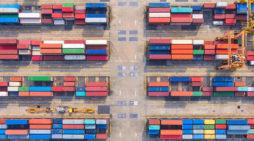 Puertos y logística. Un plan de apoyo decidido a las áreas portuaria y logística podría ahorrar costes a la industria de automoción por valor de más de cien millones. // FOTOGRAFÍA: m. tolres