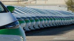 Las matriculaciones subieron levemente en abril. En la imagen, coches eléctricos de Zity, de Renault. // FOTOGRAFÍA: RENAULT