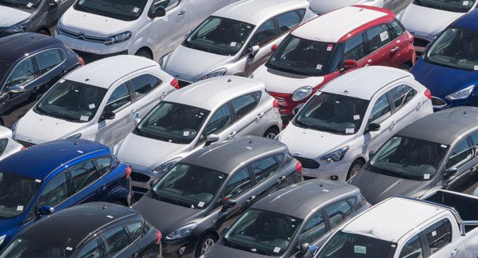 Los usados de gasolina superan en un 7,5% su valor de tasación en subasta, según BCA