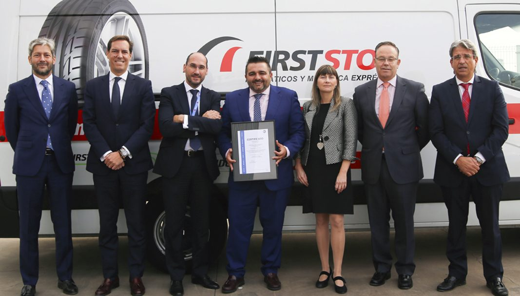 ALD Automotive y TÜV SÜD entregan los certificados a First Stop