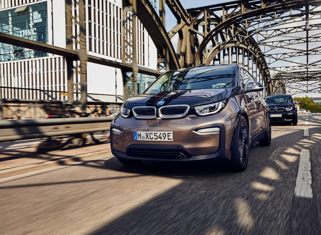BMW i3 y BMW i3s, con nuevas baterías de alto voltaje aumentan un 30% la autonomía