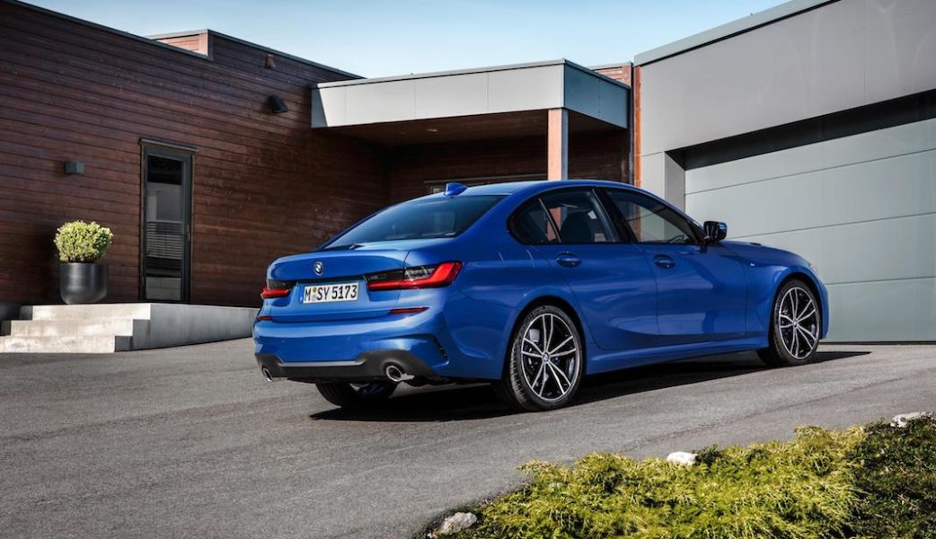 P90323681_highRes_the-all-new-bmw-3-se