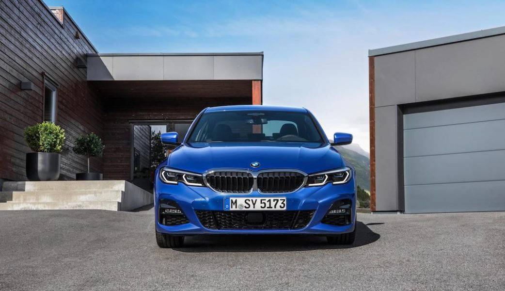 P90323683_highRes_the-all-new-bmw-3-se
