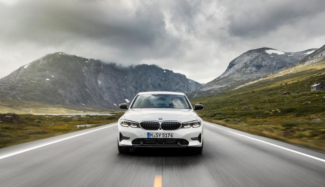 P90323705_highRes_the-all-new-bmw-3-se