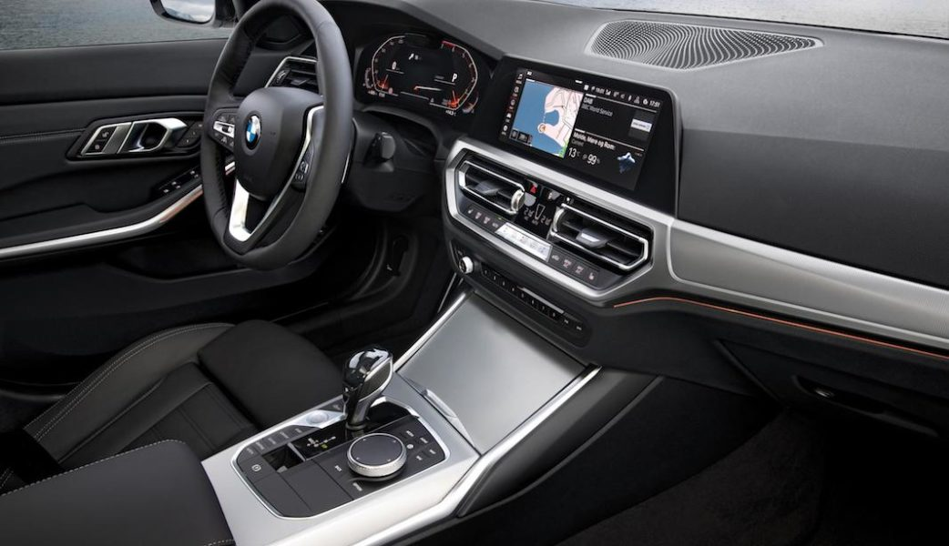 P90323735_highRes_the-all-new-bmw-3-se