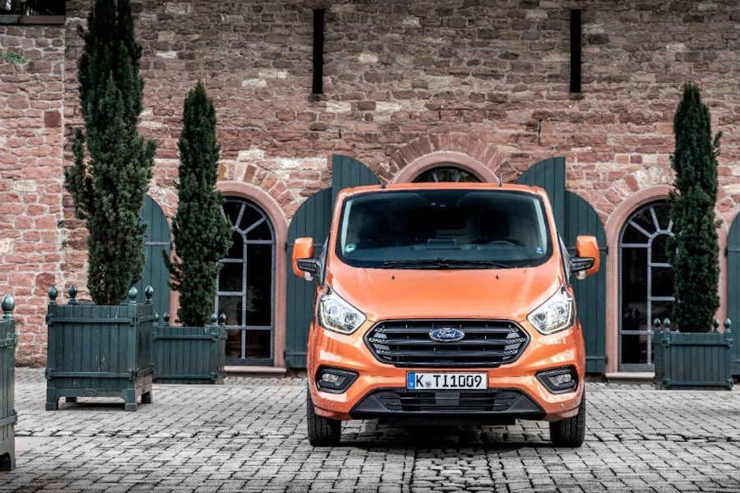 Ford mejora en motores y conectividad la Transit Custom