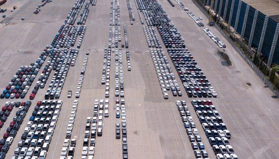 La producción de vehículos cae un 23% en septiembre