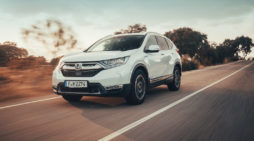Honda muestra un CR-V Hybrid que cuestiona la tecnología autorecargable vigente