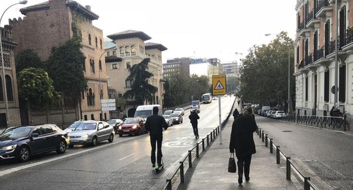 Madrid ultima el plazo para que tres firmas retiren sus patinetes eléctricos