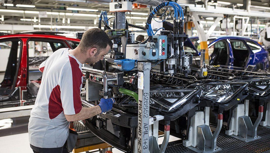 La producción de vehículos en España se cerró con un 1% menos