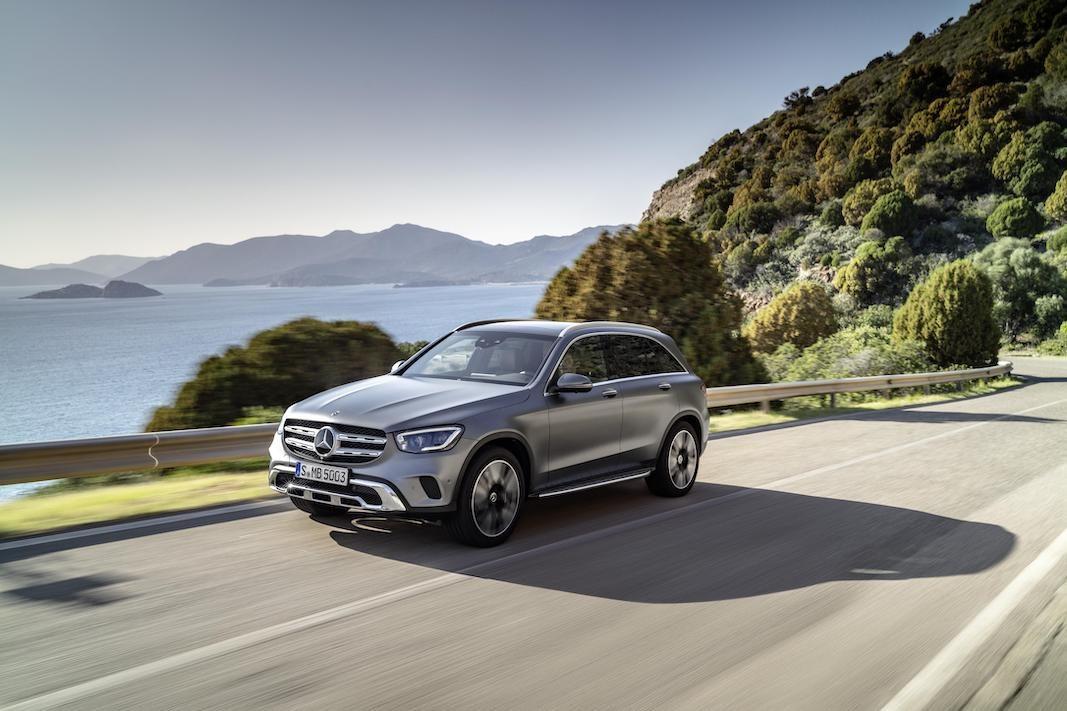 Mercedes-Benz renueva el compacto GLC, con diseño, tecnología y nuevos motores