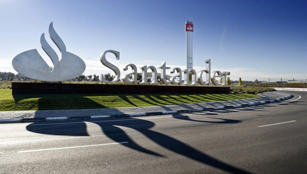 El Santander lanza un servicio de carsharing eléctrico para sus empleados