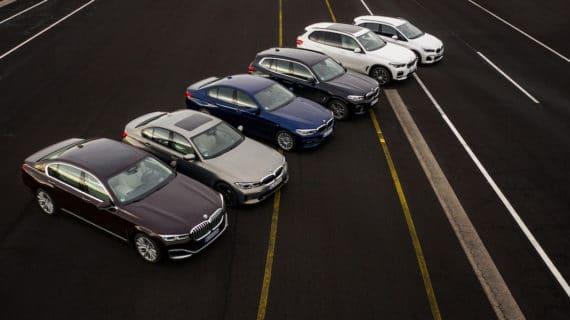 BMW avanza en la electrificación con nuevas versiones enchufables