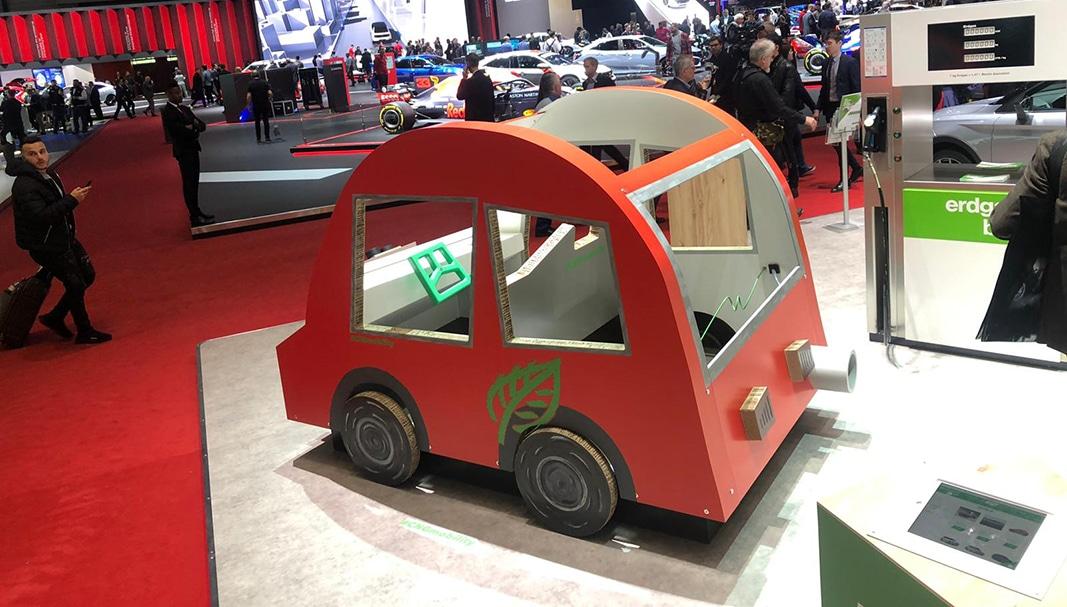 Este coche eléctrico —de broma— ha cautivado a más de un visitante del Salón de Ginebra. // FOTOGRAFÍA: FLEET PEOPLE