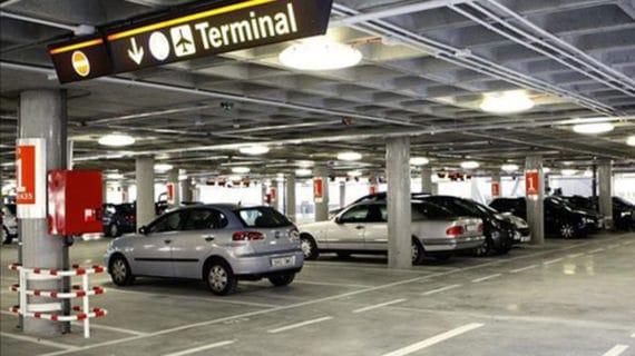 Aena busca ofrecer aparcamiento de carsharing en Barajas