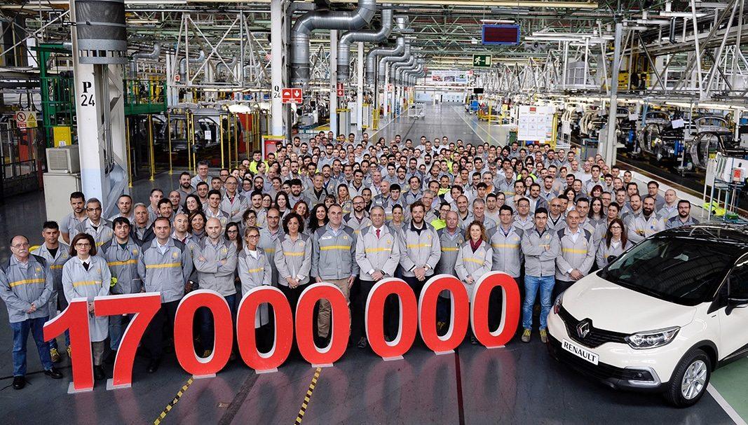 Renault España fabrica el vehículo número 17 millones