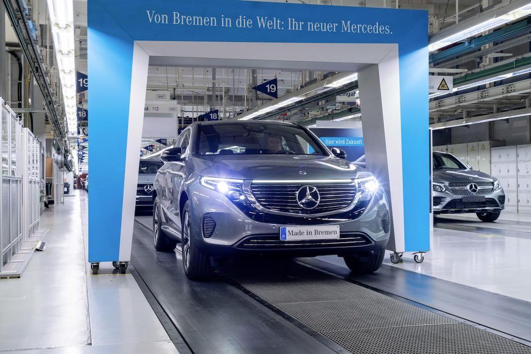 El Mercedes eléctrico EQC, del que ya se pueden hacer pedidos, llegará a las carreteras en verano
