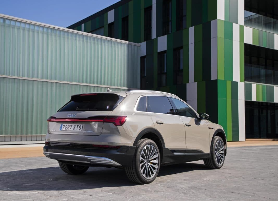Audi propone un dispositivo de recarga ultrarrápida para el e-tron