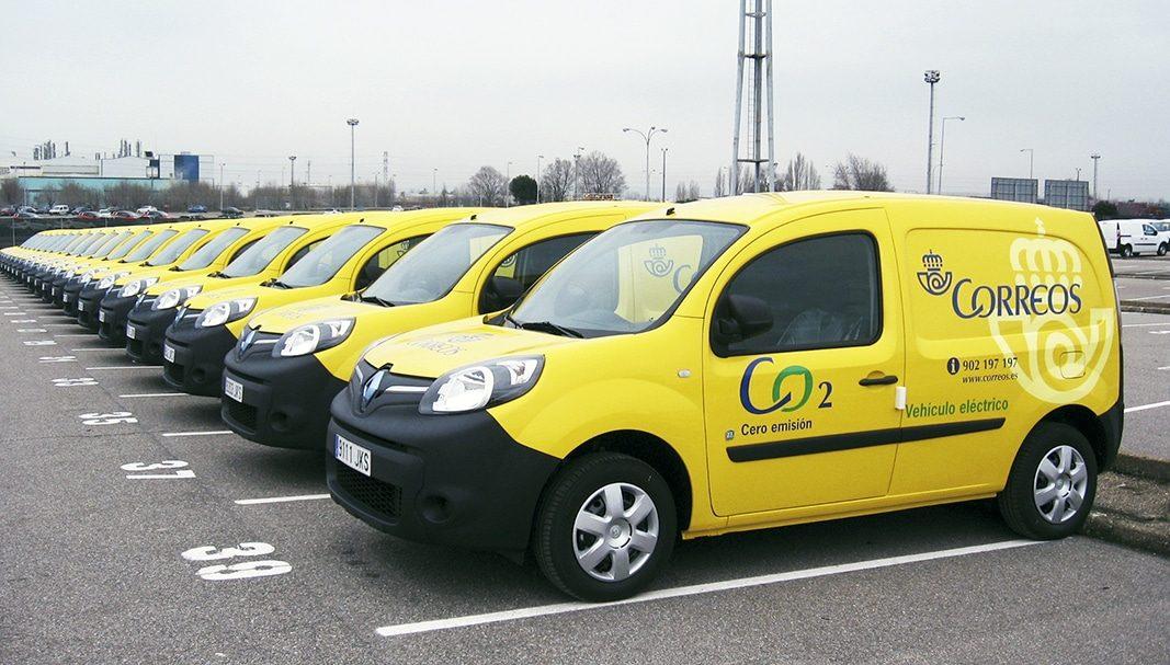 Correos incorpora a su flota 118 furgonetas diésel y 40 eléctricas y de gas