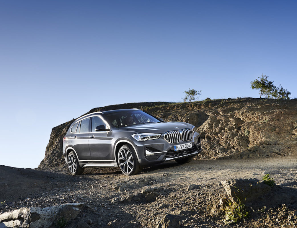 P90350957_highRes_the-new-bmw-x1-drivi