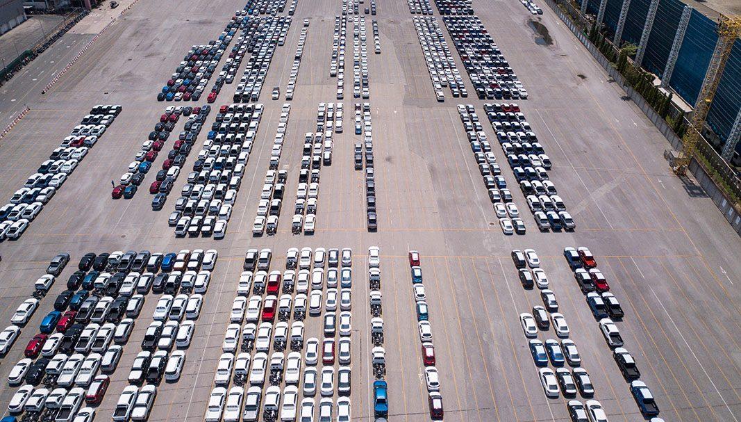 La producción de vehículos en España cae un 16% en abril