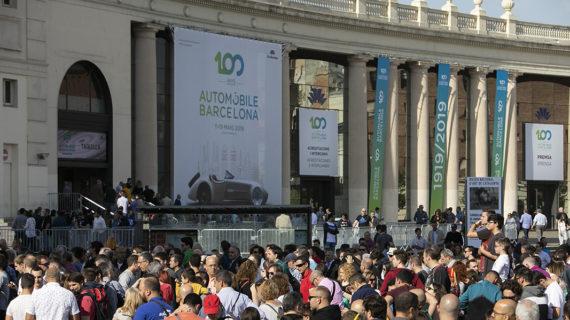 Automobile Barcelona recibe una gran afluencia de público