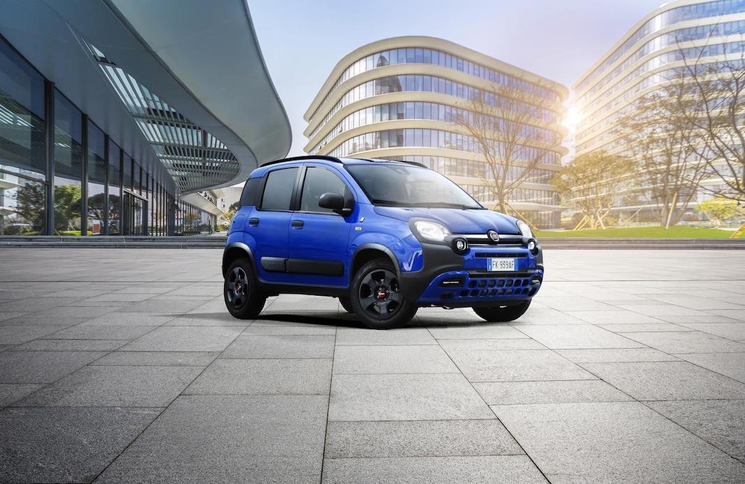 La navegación social Waze da nombre a una colorista versión del Fiat Panda