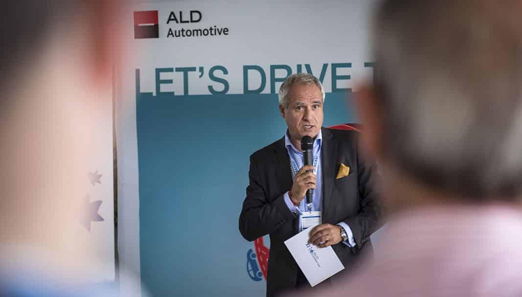 Ojo. Pedro Malla es el primer ejecutivo de ALD en España. Como cada año, el directivo hizo hincapié en la importancia de cumplir con los tiempos y controles . // FOTOGRAFÍA: ald automotive