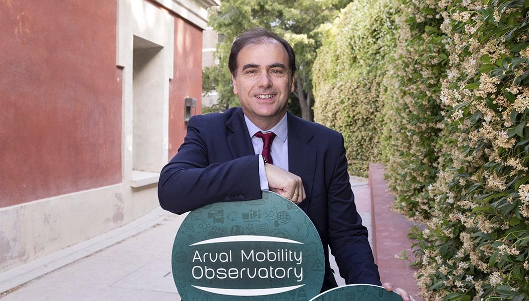 Bien. España, según el informe, mantiene una sólida posición respecto de la flota de empresa europea en sostenibilidad. En la imagen, Manuel Orejas posa para el objetivo de Fleet People en el Jardín Botánico, en Madrid. // FOTOGRAFÍA: D.S.