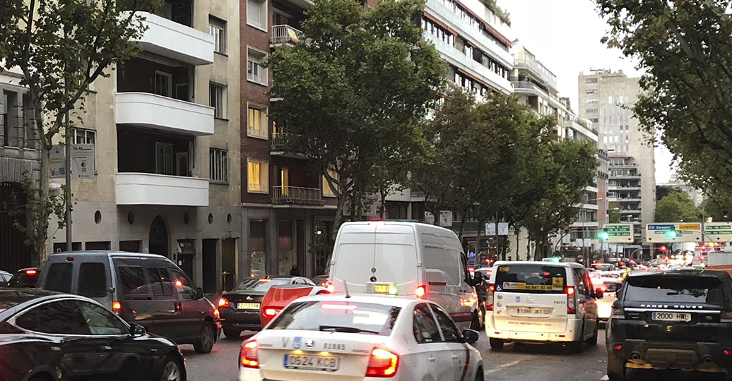 Casi un millón de conductores madrileños circulan sin ver con nitidez