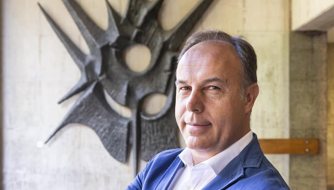 Feneval aplaude que se permita la apertura de oficinas de alquiler de coches