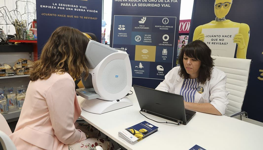 El 29,5% de los conductores españoles circulan sin ver con nitidez