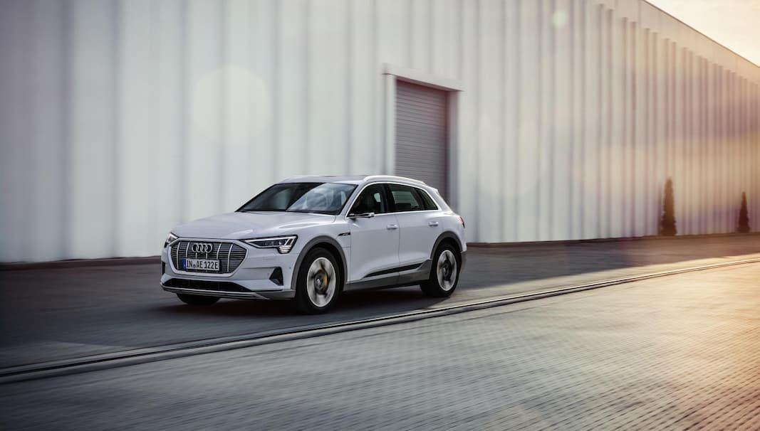 Audi incorpora al catálogo una versión e-tron más asequible