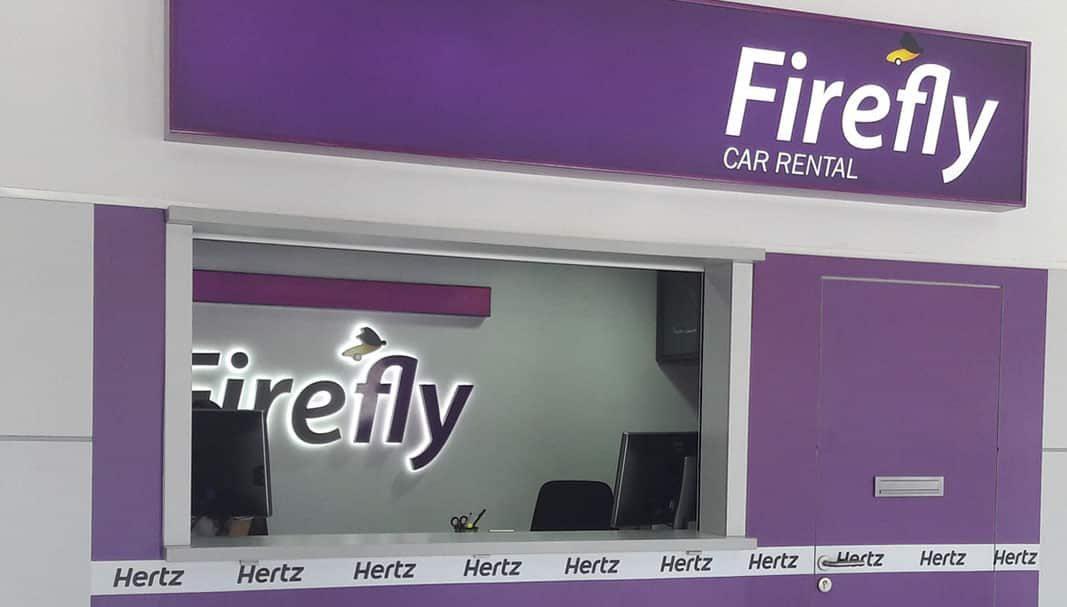 Firefly (Hertz) reduce a 19 años la edad mínima para alquilar coches