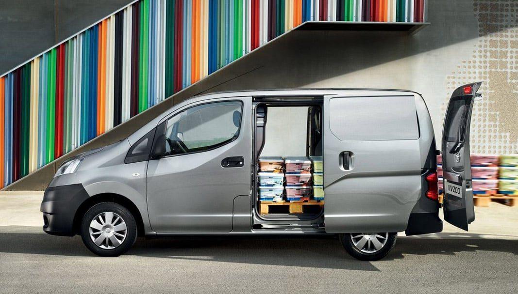 Nissan aumenta la producción de la furgoneta e-NV200 en Barcelona
