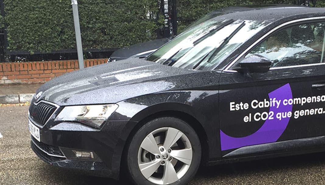 Cabify lanza una campaña que integra VTC, taxi, motos y patinetes eléctricos
