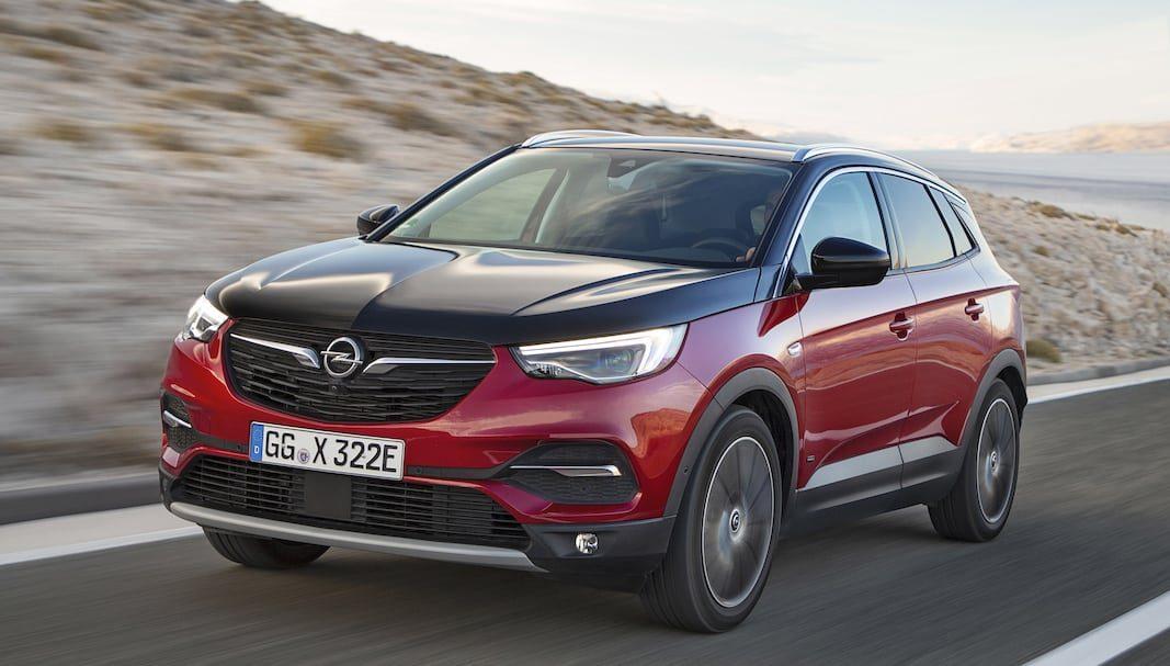 Opel Grandland X, a un paso de su electrificación, con dos versiones enchufables