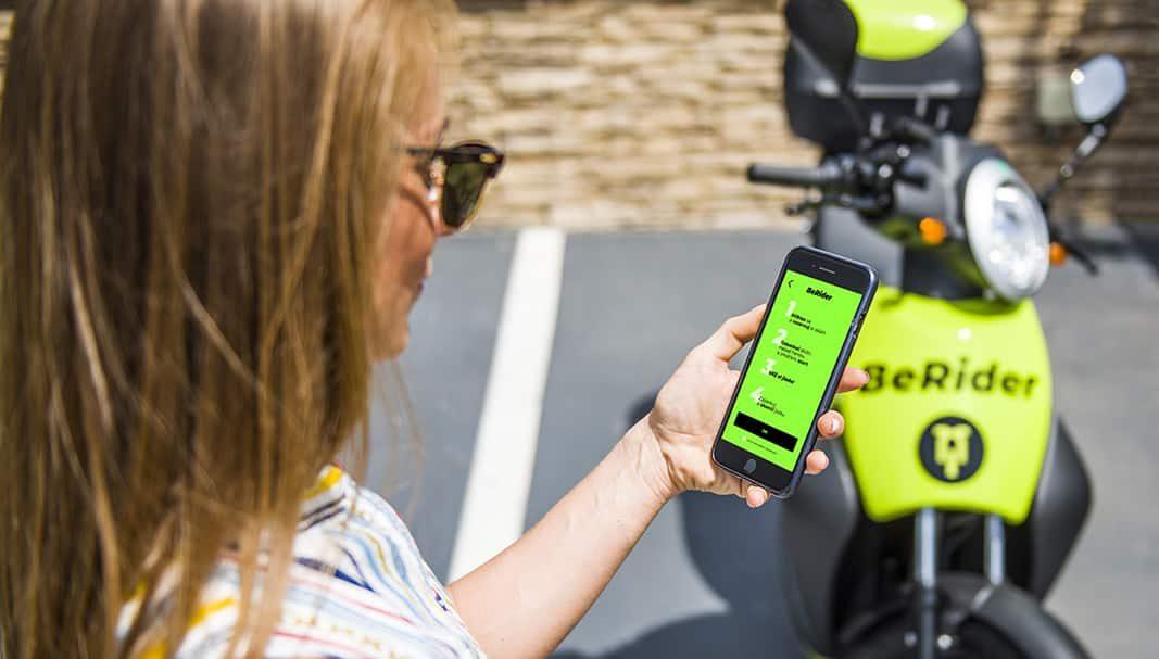 Skoda lanza servicio de eScooter BeRider en Praga