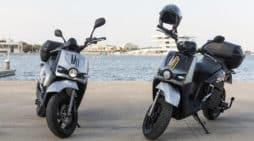 Dos motos eléctricas silence scutum acciona