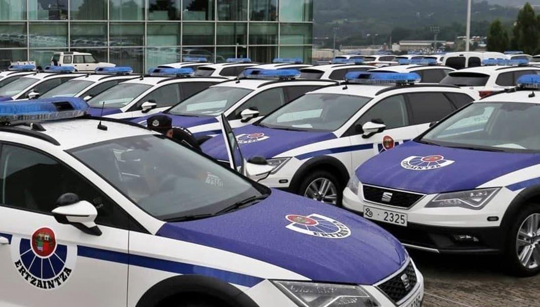 La Ertzaintza modifica 150 coches patrulla en renting por 114.000 euros