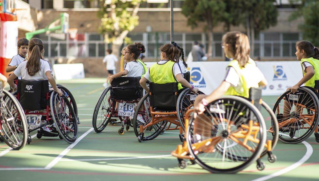 El Programa Autonomy de FCA acerca el deporte adaptado a los colegios