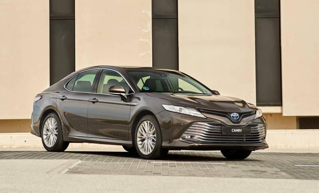 Camry, la berlina de Toyota para trabajar con clase (y estilo)