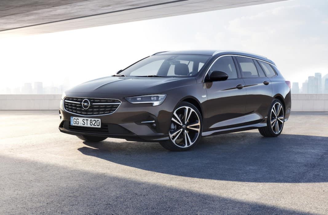 La versión familoiar o Sports Tourer del Opel Insgnia.