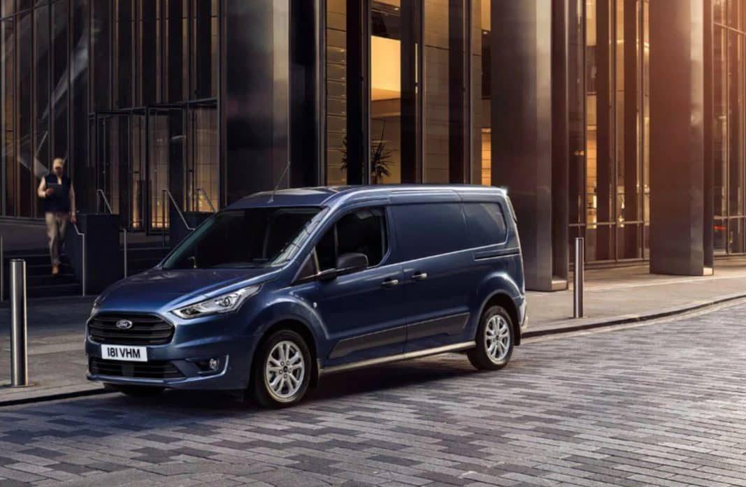 Ford pone la diana en las empresas: todos los comerciales, electrificados