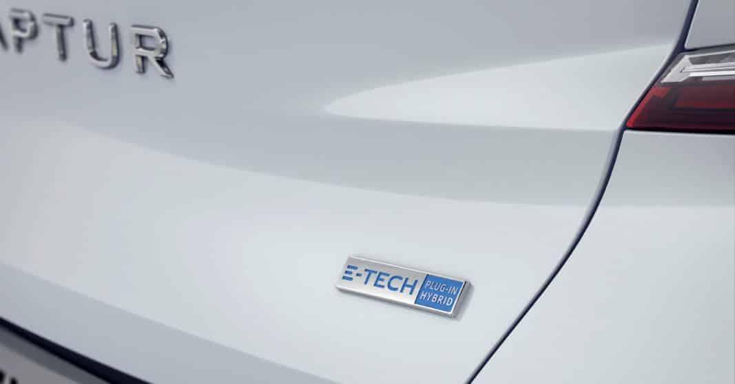 El distintivo característico de la hibridación Renault: E-TECH Hybrid.