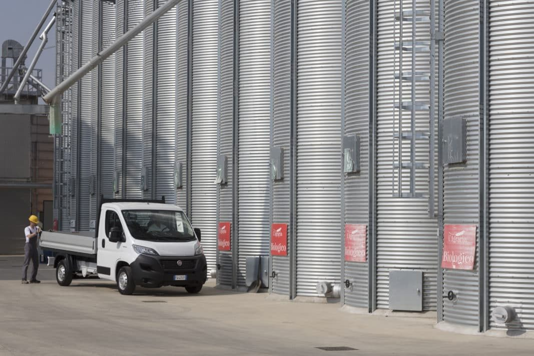 FCA integra la conducción autónoma de Waymo en sus comerciales