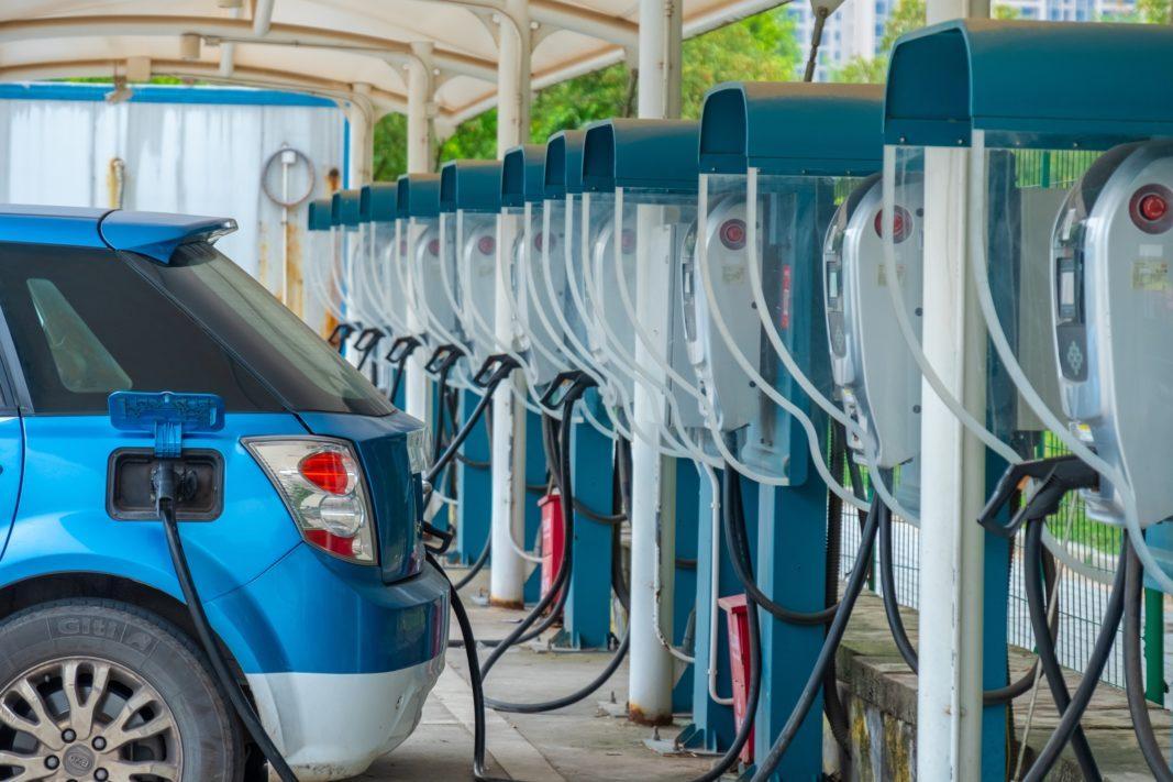 Los eléctricos rebasan en ventas a los diésel en Europa